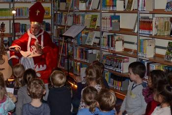 Der Nikolaus besuchte die Bücherei